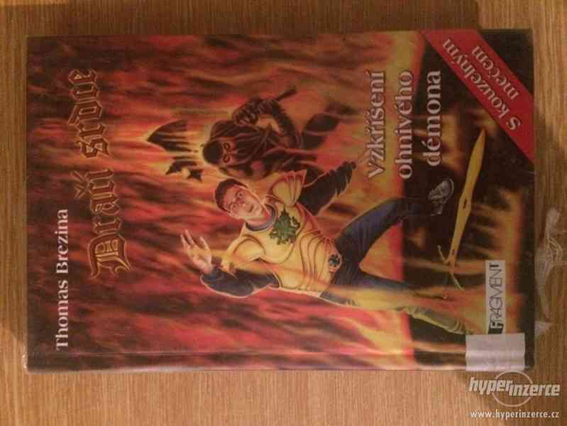 knihy - foto 9