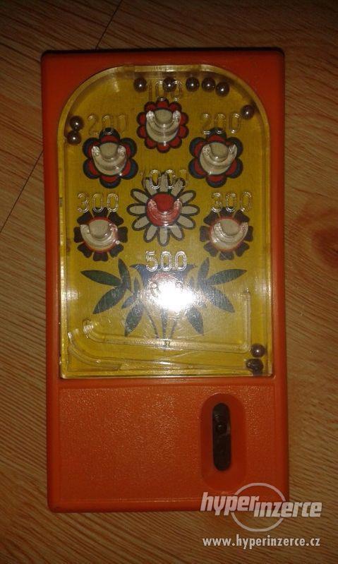 Deskové kuličkové hračky - starých 9 kousků - foto 3