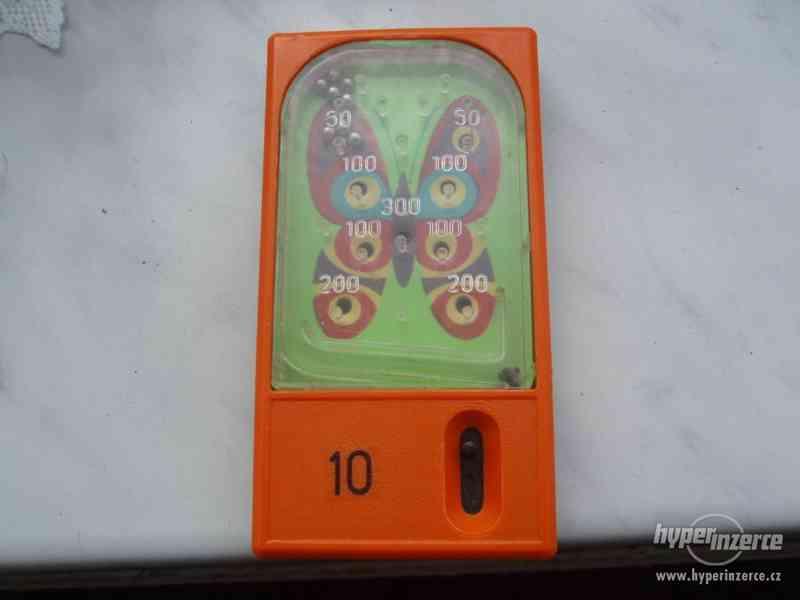 Deskové kuličkové hračky - starých 9 kousků - foto 2