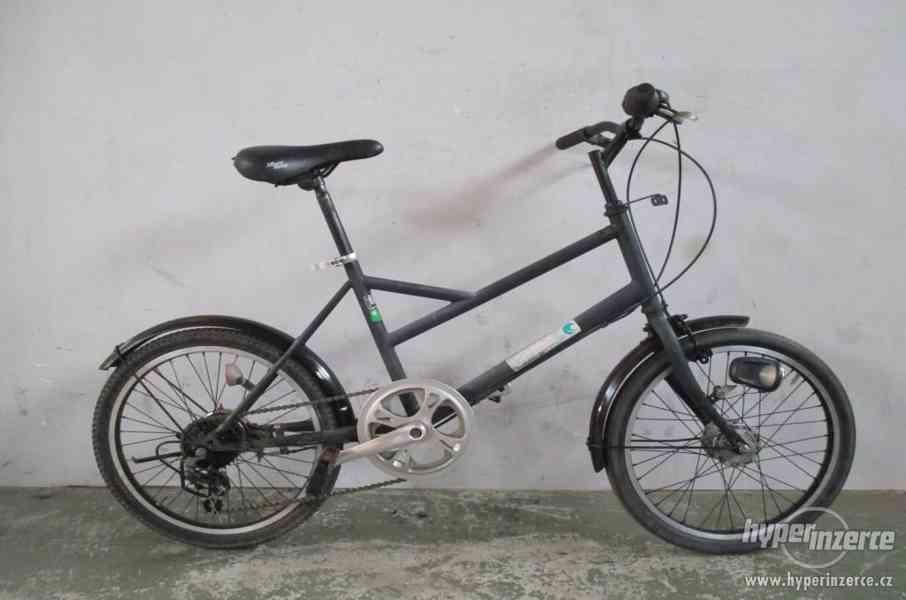 Městské retro jízdní kolo - city bike