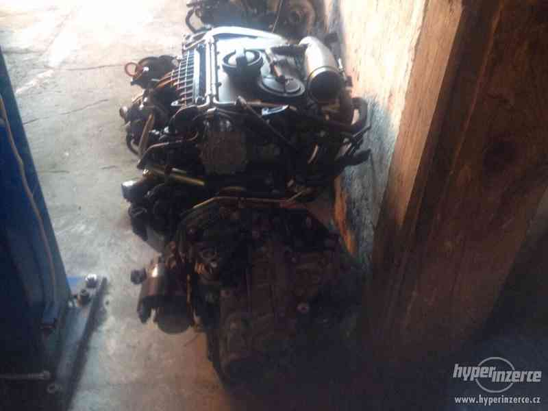 Prodám kompletní motor i s převodovkou viz. foto, 2,0 103kw,