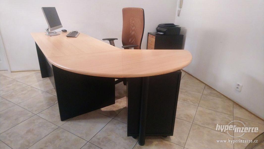 Stůl - foto 1