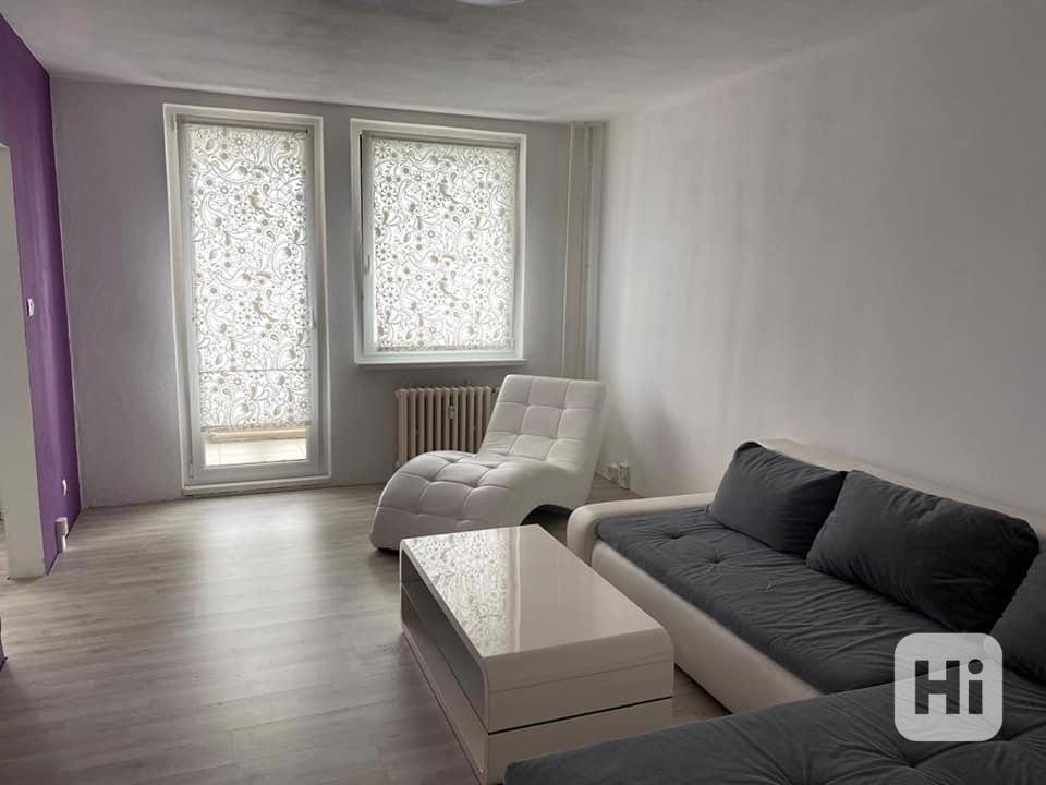 Krásný slunný byt 3+1, Praha- Modřany - foto 1