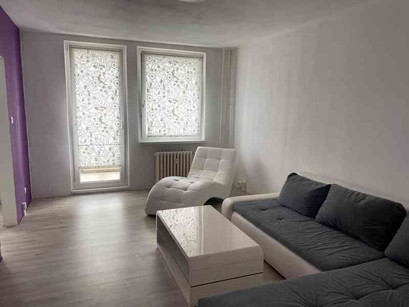 Krásný slunný byt 3+1, Praha- Modřany