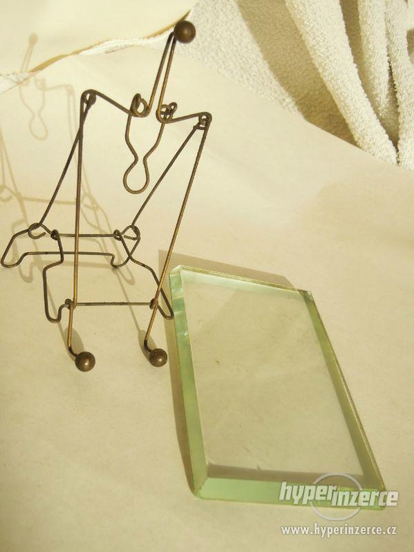 Staré fotorámečky , s broušenými skly . - foto 1