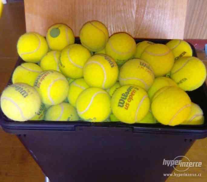 prodám tenisové míčky pro psy