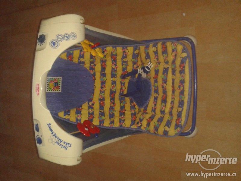 Houpačka pro miminko Fisher Price - foto 1