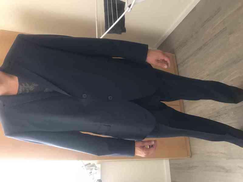 Pánský luxusní  oblek Pierre Cardin