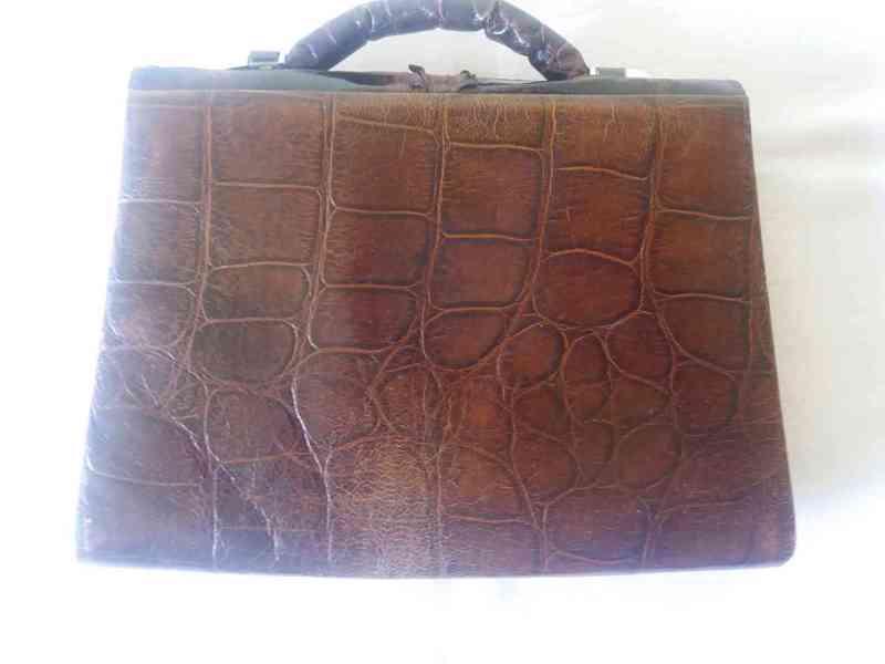 Starožitná kabelka z krokodýlí kůže - foto 2