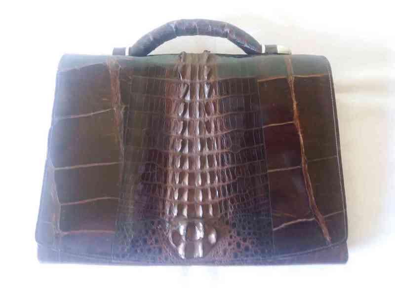 Starožitná kabelka z krokodýlí kůže