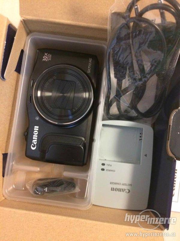 Digitální fotoaparát CANON