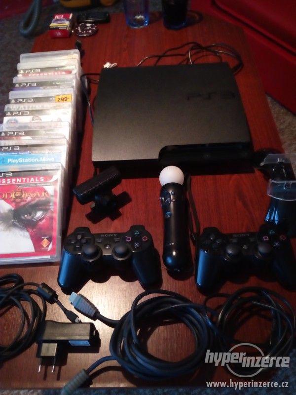 Playstation 3 s bohatým příslušenstvím