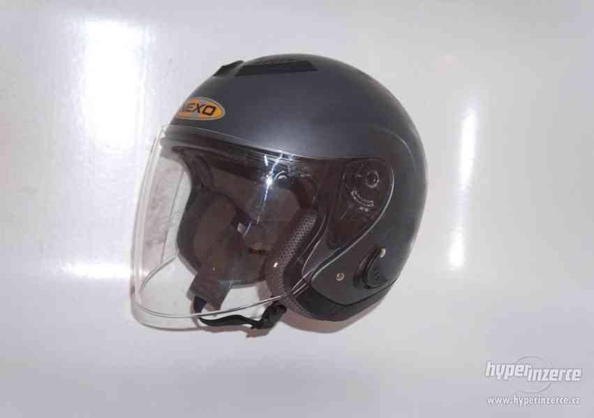 Helma na motorku L motocyklová přilba na skůtr Nexo vel 59cm
