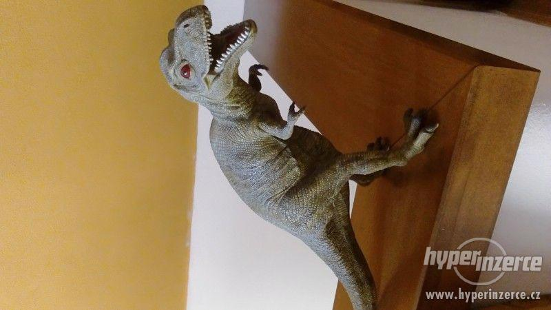 Dinosauři - foto 1