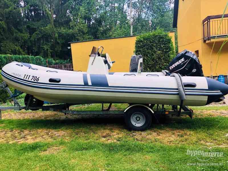 Motorový člun BOMBARD Starter, Evinrude 50 hp