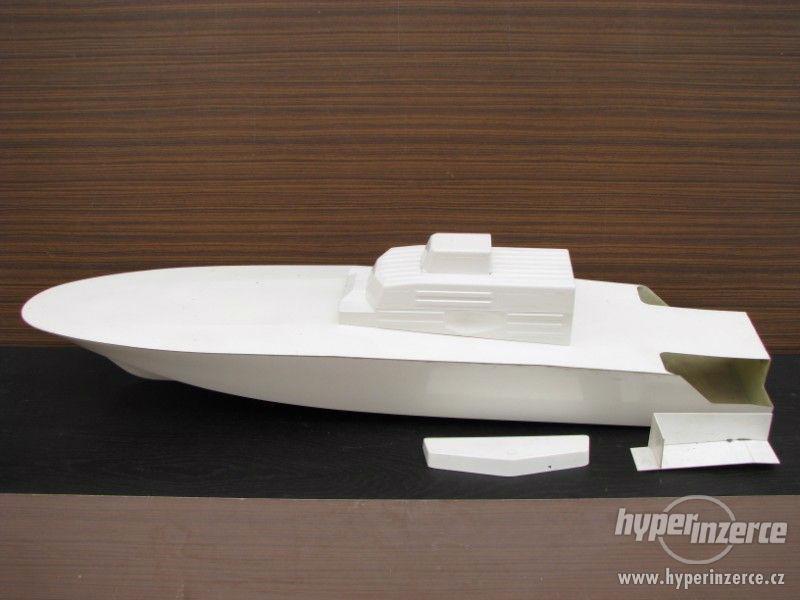 Laminátový trup na model lodě KTS Libelle 1:15