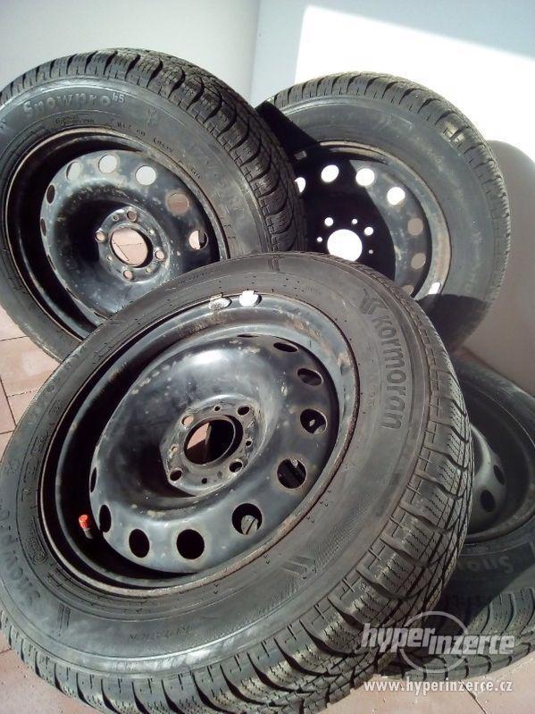 Zimní pneumatiky 175/65 R14 včetně disků