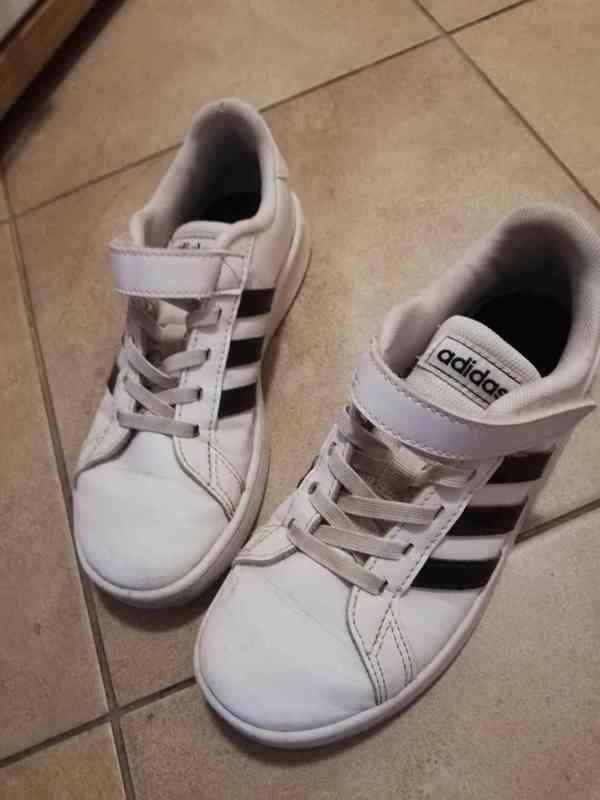 Dětské boty Adidas vel. 32