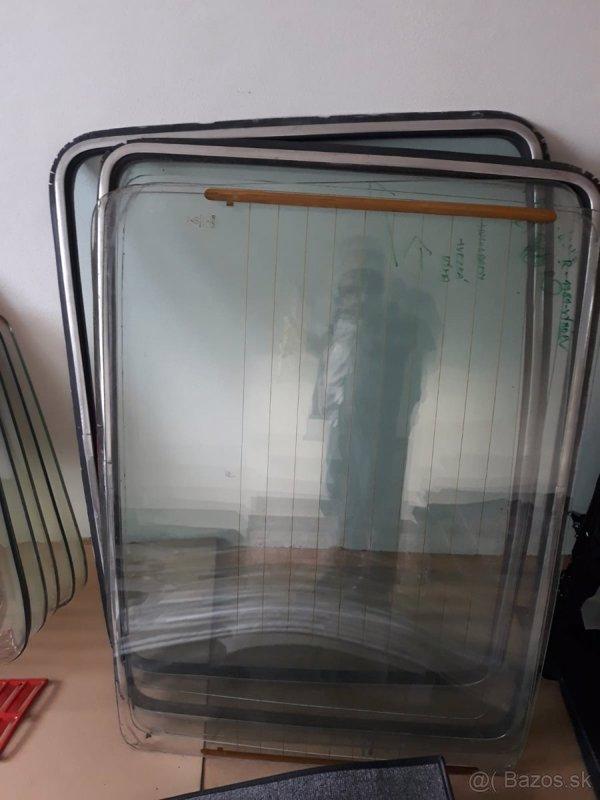 Okna a tapeciry Skoda 110r