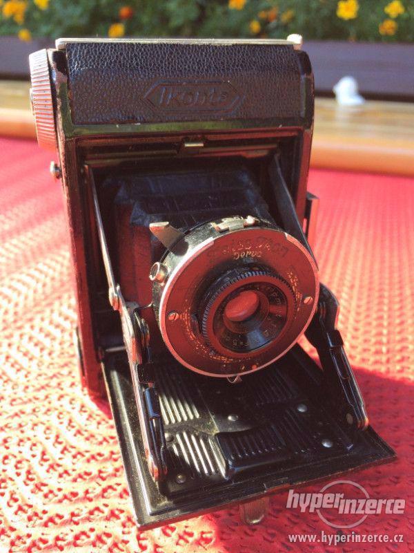 Historický malý fotoaparát Zeiss Ikon Derval, na film - foto 1