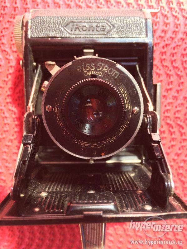 Historický malý fotoaparát Zeiss Ikon Derval, na film - foto 7
