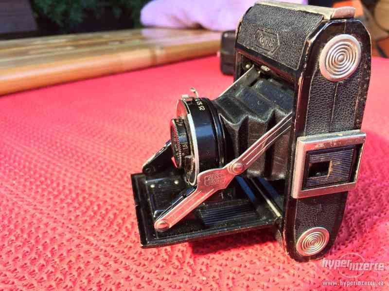 Historický malý fotoaparát Zeiss Ikon Derval, na film - foto 3