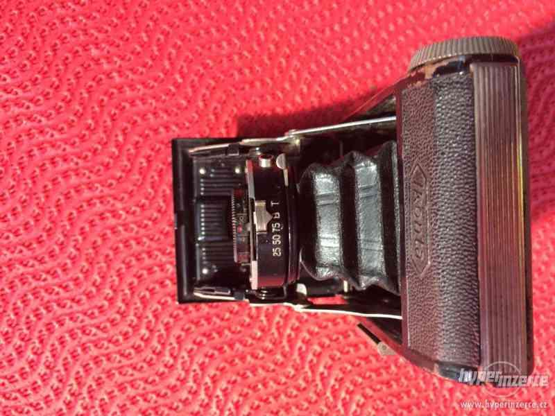 Historický malý fotoaparát Zeiss Ikon Derval, na film - foto 4