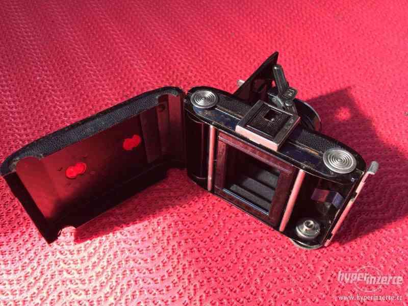 Historický malý fotoaparát Zeiss Ikon Derval, na film - foto 6