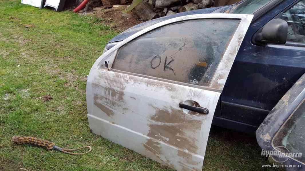 Prodám dveře na Škoda Fabia v bílé barvě SLEVA 1000/ks