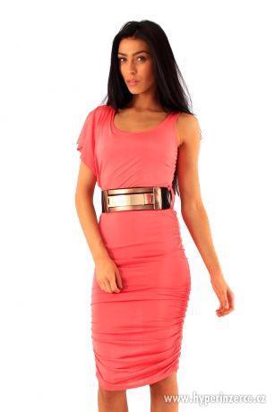Nové elegantné koralové midi šaty - foto 1
