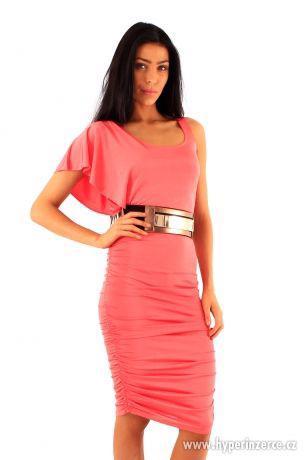 Nové elegantné koralové midi šaty - foto 2