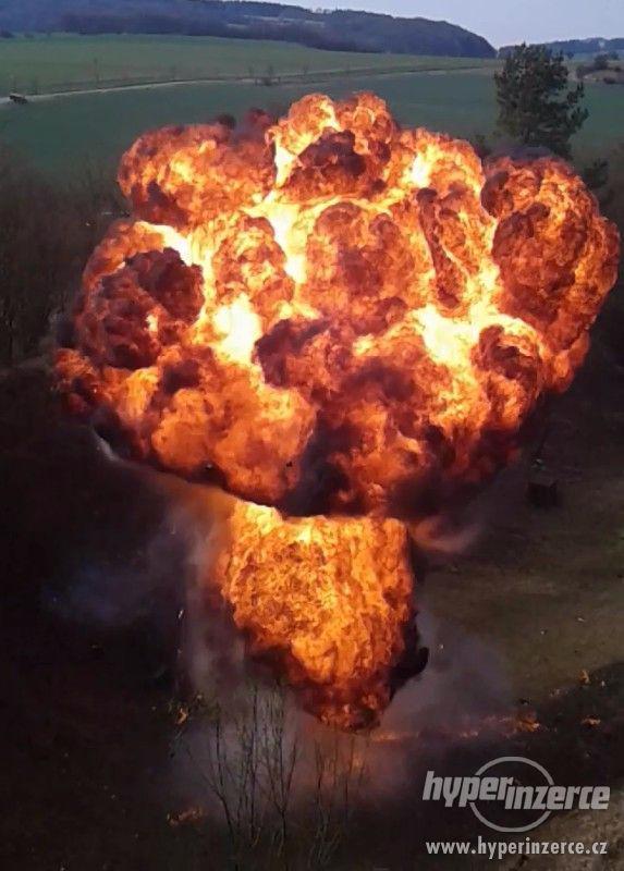 Pyrotechnika, speciální efekty a ohňostroje - foto 1