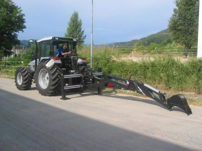 Podkop za traktor - foto 1
