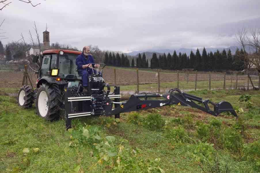 Podkop za traktor - foto 3