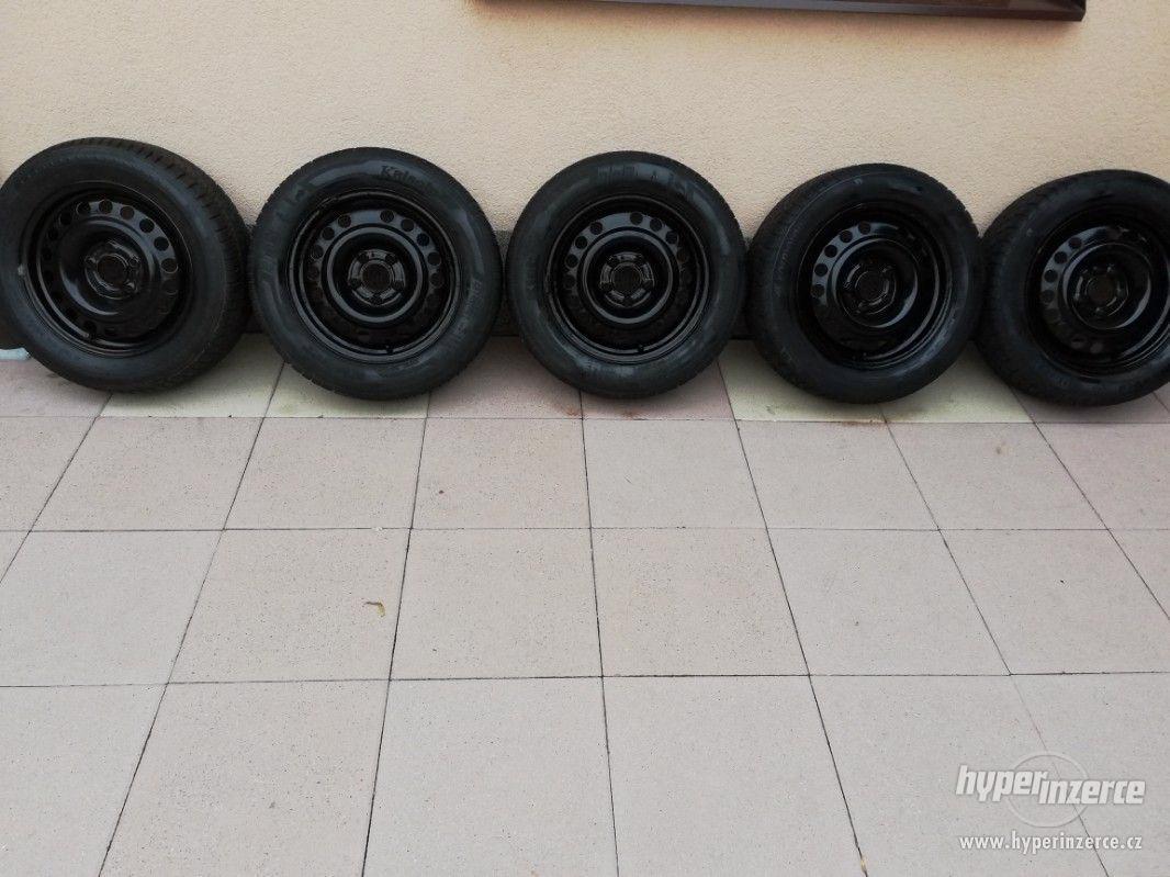 Opel – plechové disky +letní a zimní pneu 195/60R15, 6J x 15 - foto 1
