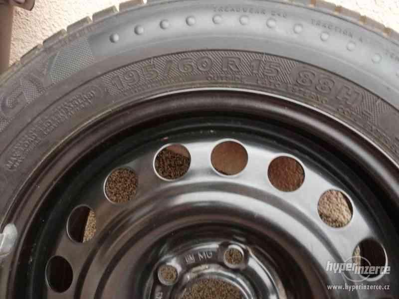 Opel – plechové disky +letní a zimní pneu 195/60R15, 6J x 15 - foto 5