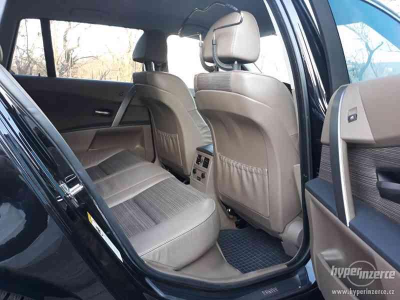 BMW 525D Touring,orig.km,serviska,1.maj,224t km,novéTZ na 2t - foto 20