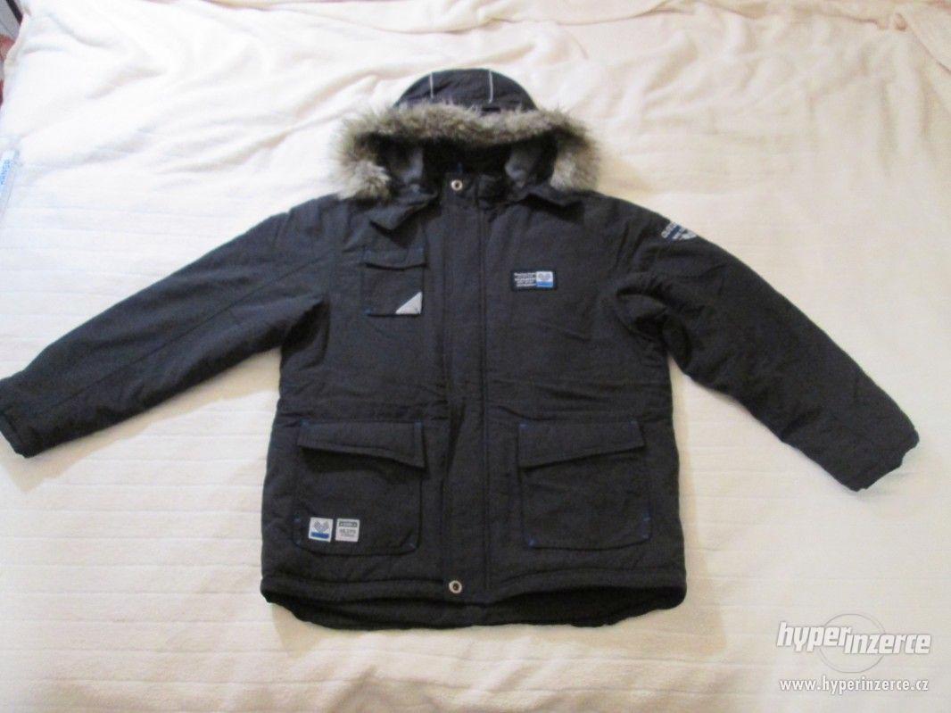 ZIMNÍ KABÁT - bunda s kapucí, vel. 164 (černá) - foto 1