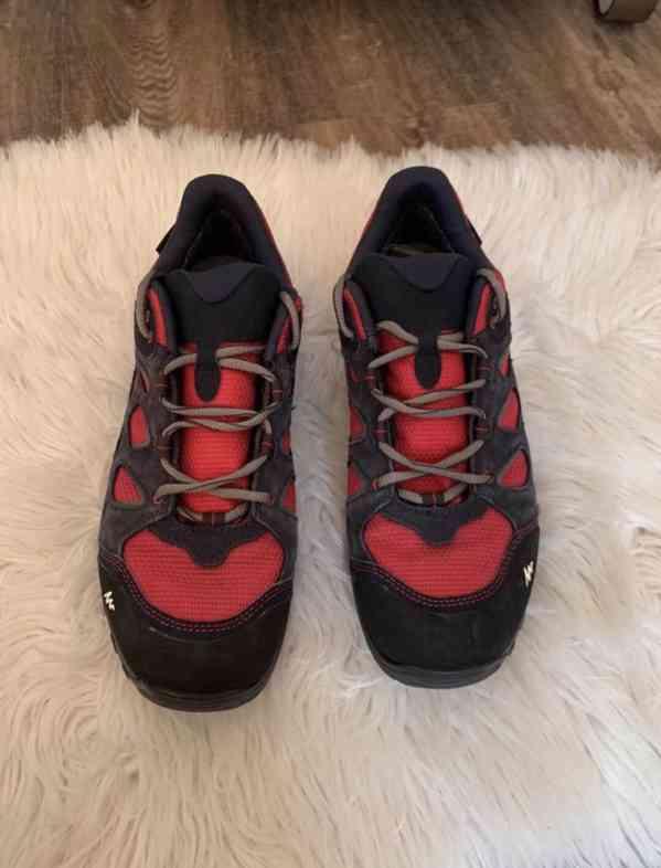 Sportovní boty Quechua vel. 41