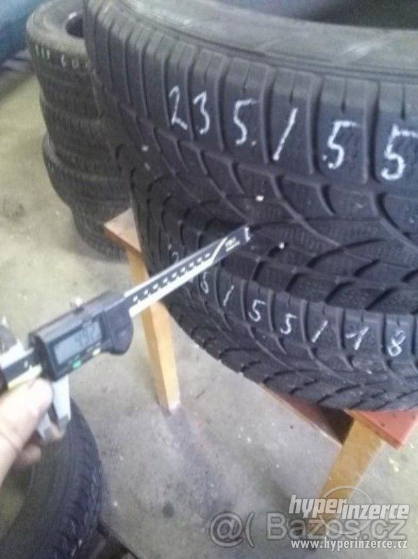 Prodám zimní pneu DUNLOP 235-55 R18 4.92mm cena 1300kč za ks