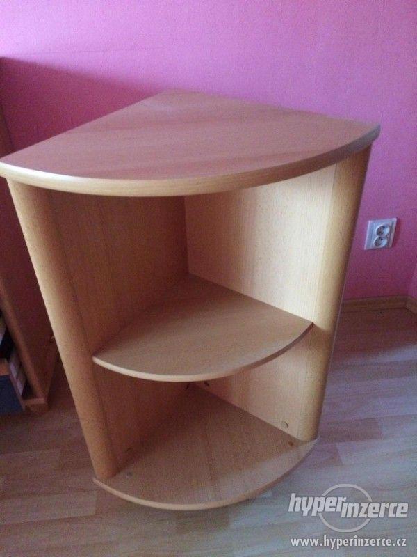 Prodám nábytek ze staršího dětského pokoje. - foto 9