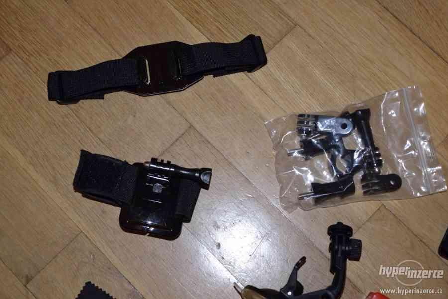 Gopro Hero 4 black + 64GB Sandisk extreme + příslušenství - foto 5