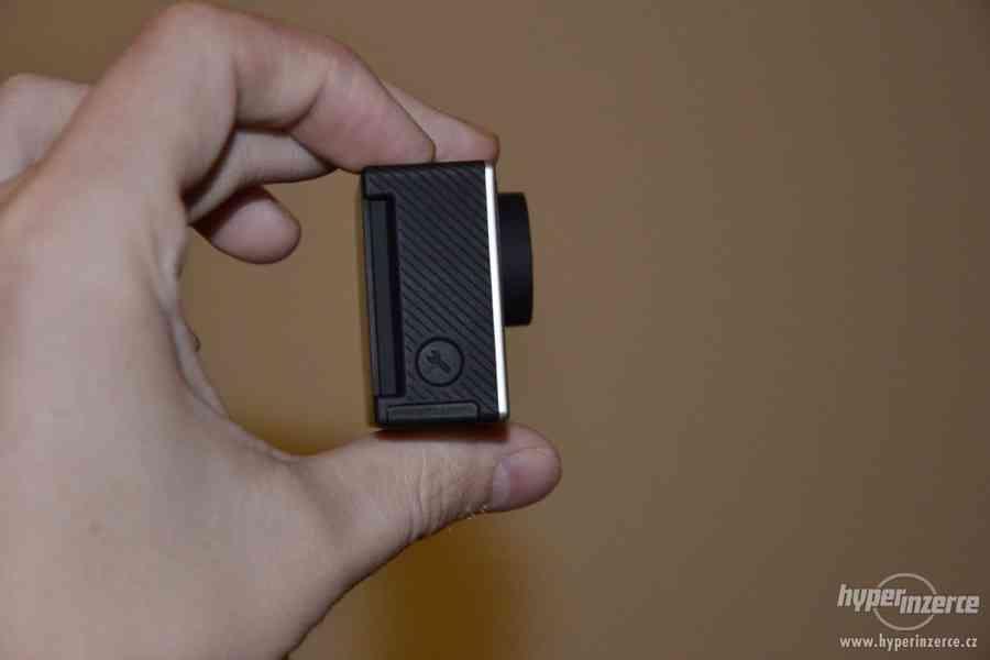 Gopro Hero 4 black + 64GB Sandisk extreme + příslušenství - foto 8