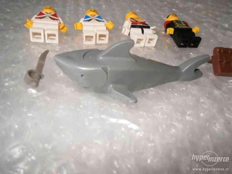 LEGO PIRATES MINIFIGURKY 5KS - foto 2