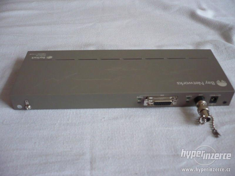 16-port RJ45 BayStack52 hub 10-BaseT/AUI