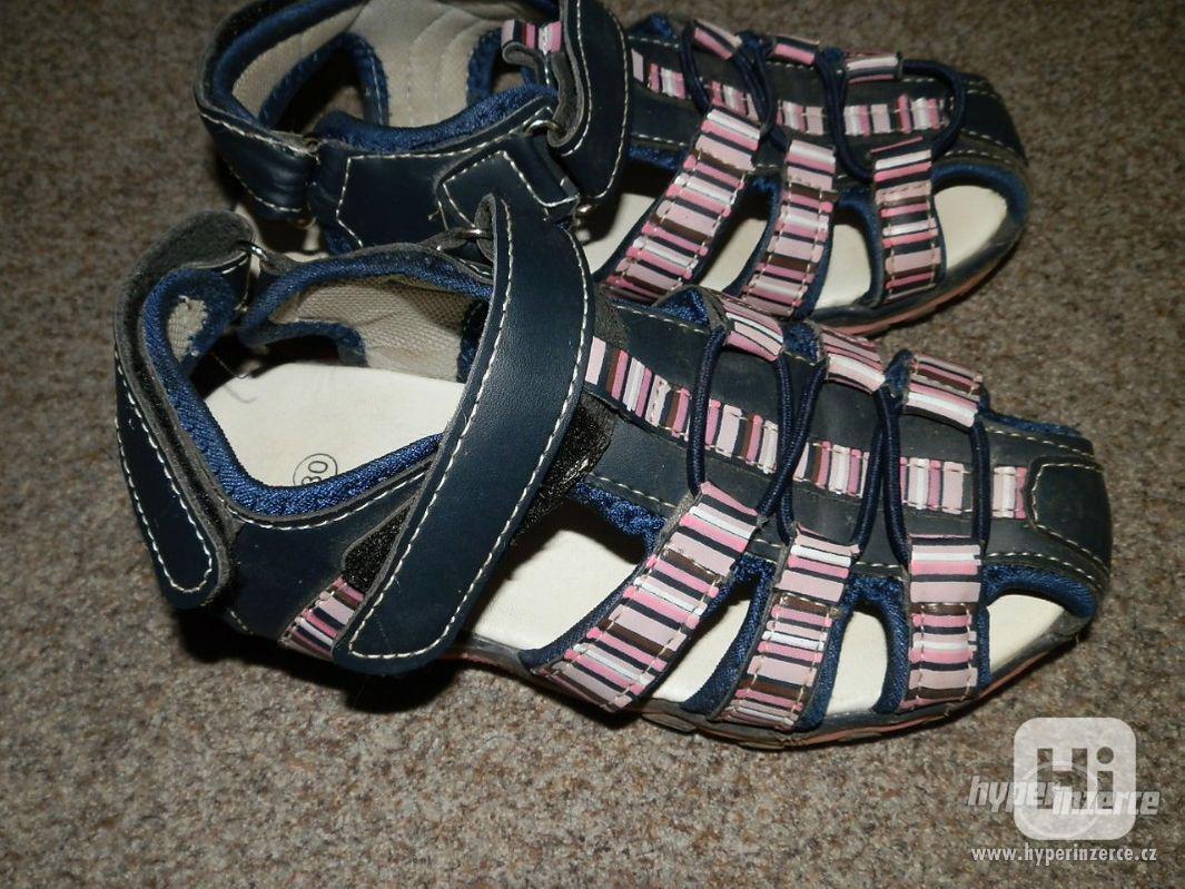 Dívčí sandálky vel.30 - foto 1