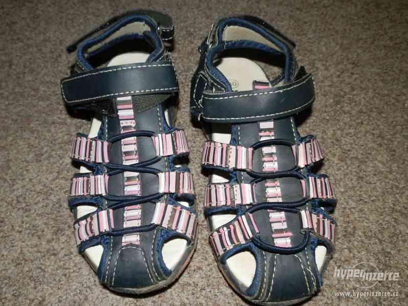 Dívčí sandálky vel.30 - foto 2