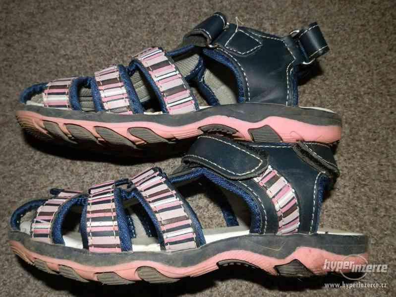 Dívčí sandálky vel.30 - foto 3
