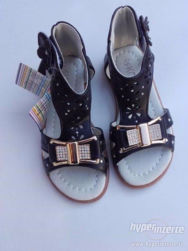 Dívčí sandálky černé-mašlička - foto 2
