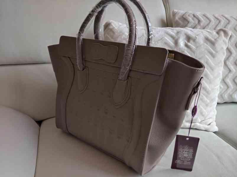 Extravagantní dámská kabelka s lebkami - foto 2